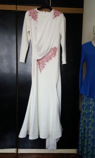 Dress moden