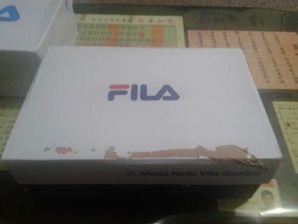 Fila運動鞋鞋號(40)