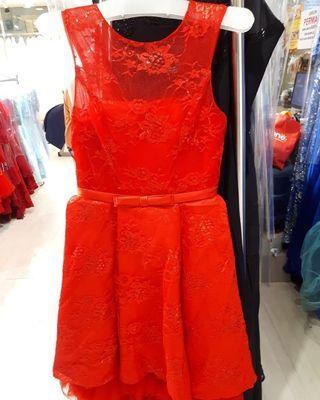 Dress gaun merah line