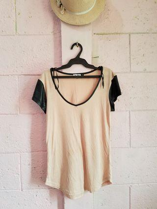 Chicabooti beige top