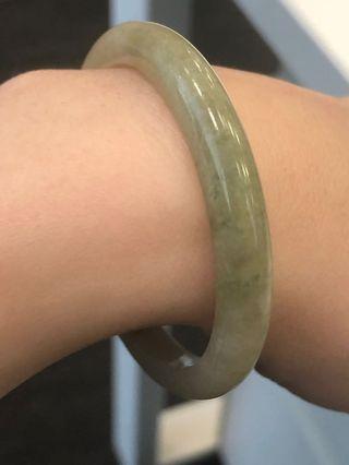 三彩幼圓骨A 翡翠玉手鐲 貴妃 51.6(green, red, yellow jade bangle)