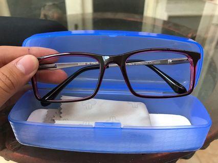 Frame Kacamata Kevin Clein