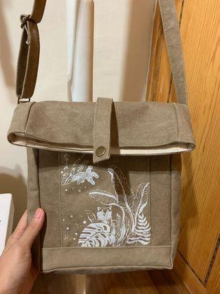 🚚 設計品牌皮康 帆布包包