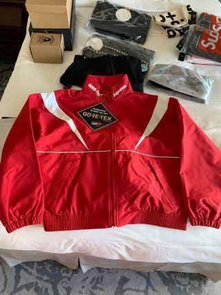 Supreme Jacket Size S brand new  新款超少貨