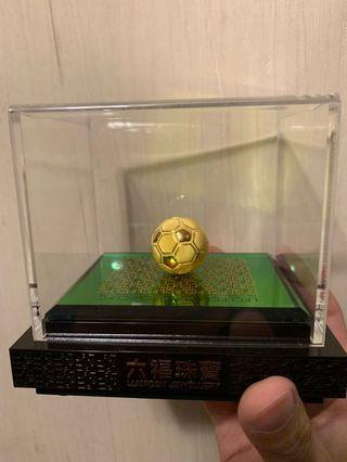 六福珠寶 足金足球擺件 迷你版