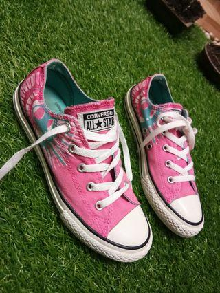 Converse Pink size 34 insole 21cm good condition