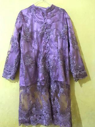 Kebaya brukat brpkat ungu violet like new L / XL