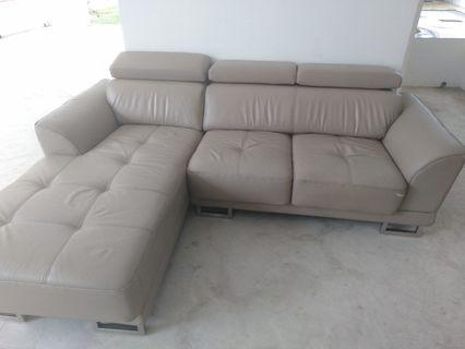 🚚 Leather Sofa set defeck hv 3 place