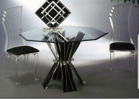 Octagon glass dinning table in black