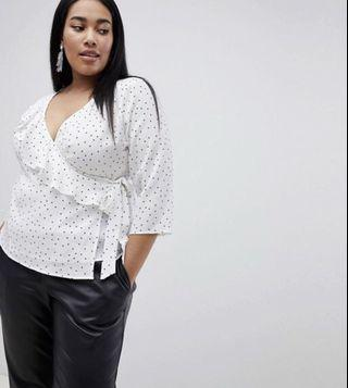 Boohoo Plus exclusive plus polka dot tie side blouse