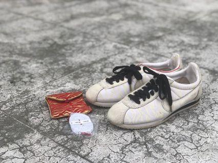 Nike 阿甘 虎年