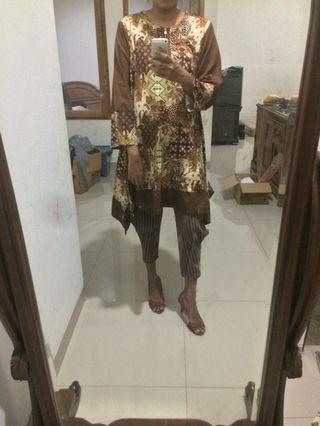 Tunik batik asimetris