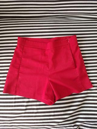 Celana pendek merah #mauvivo #ramadansale