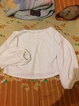 Sabrina white semi sweater crop