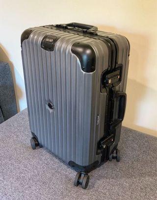 RIMOWA*MONCLER original cabin luggage