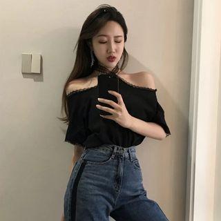🚚 二手女裝只穿一次韓版韓版一字領性感蕾絲挂脖露肩短袖T恤上衣