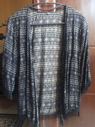 Cardigan motif triball
