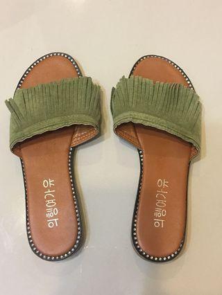 綠色流蘇平底拖鞋(近全新)