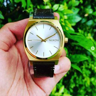 Nixon Steve Harrington Limited Edition Watch in Gold/olive A0452496