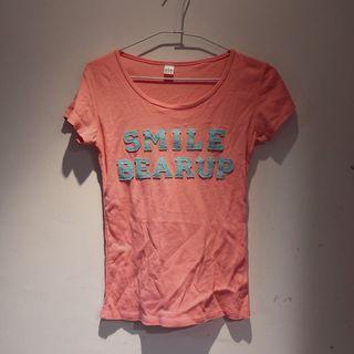粉橘色字母tshirt