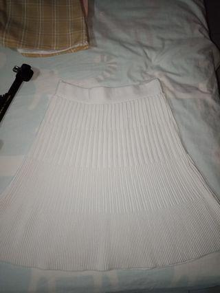White pattern skirt