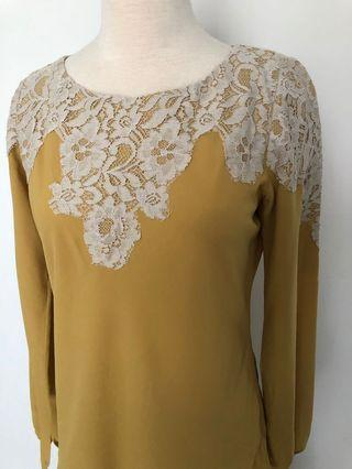 Lace top in mustard crepe