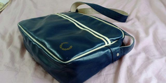 FRED PERRY Sling Bag