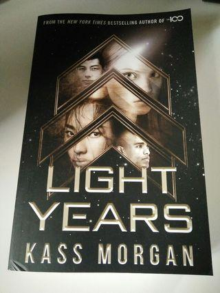 🚚 Light Years, by Kass Morgan