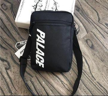 🚚 Palace Sling Bag (Brand new and instocks)