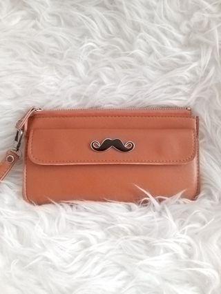 Dompet coklat moustache