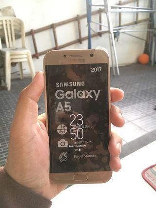 Samsung A5 2017 32gb Gold Fullset Mulus like new