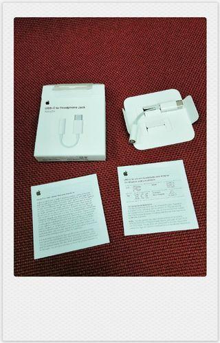 USB-C to headphone jack Adapter
