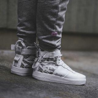 🚚 Nike sf Air Force 1 mid