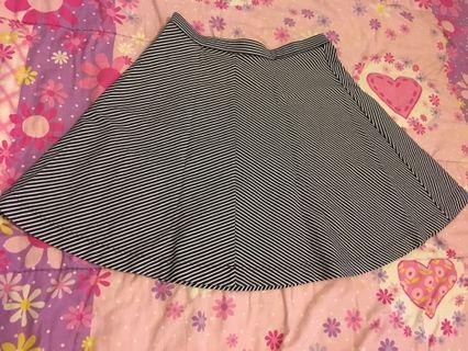 Uniqlo skirt