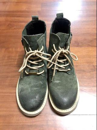 「真皮」牛麂皮漸層馬丁靴(大尺碼)