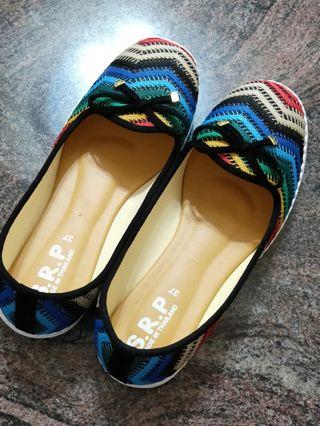 BN colourful flats size 37