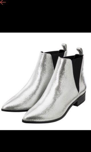 🚚 GU銀色靴