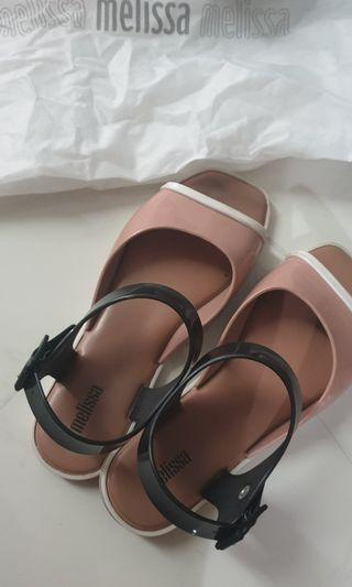 🚚 Melissa Crush Sandals Nude