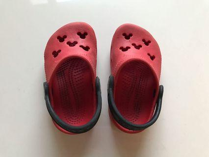 Toddler crocs shoes