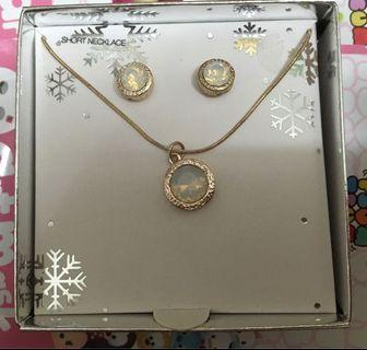 Short necklace and earrings