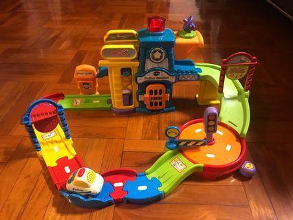 VTech Go! Go! Smart Wheels Police Station Playset Vtech玩具