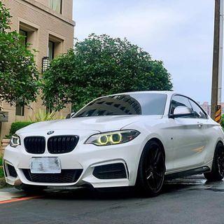 14年 BMW M235i 3.0 總代理 雙渦輪增壓 上二階晶片 小改精品 輪圈 避震 排氣管 可認證