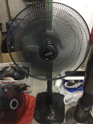 $30 MISTRAL 18 INCH REMOTE STAND FAN MSF1800R