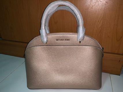 🚚 Michael Kors Emmy Satchel (Large) Dome Handbag