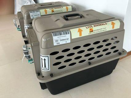 🚚 Pet travel carriers