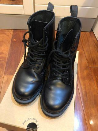 Dr.martens 八孔馬丁靴(降價)