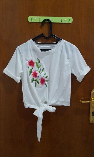 WHITE CROP TOP WITH FLOWER #ramadansale
