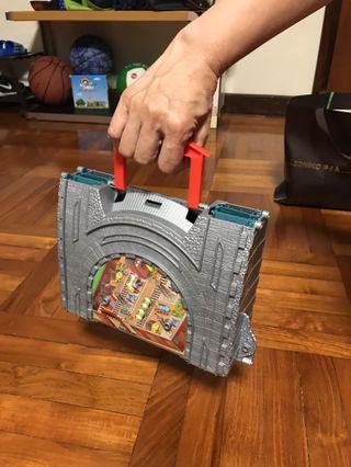 Thomas take-n-play