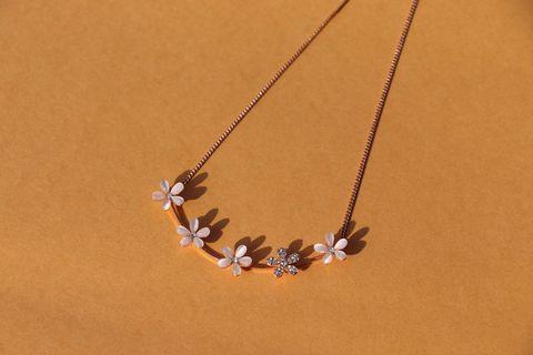 🚚 Elegant flower Necklace