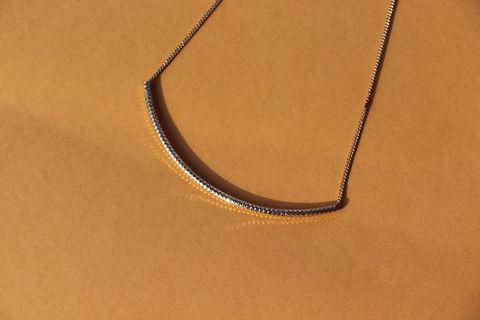 🚚 Gold Necklace curved bar